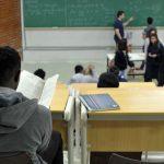 Estudantes com Fies podem suspender pagamentos até o fim da pandemia
